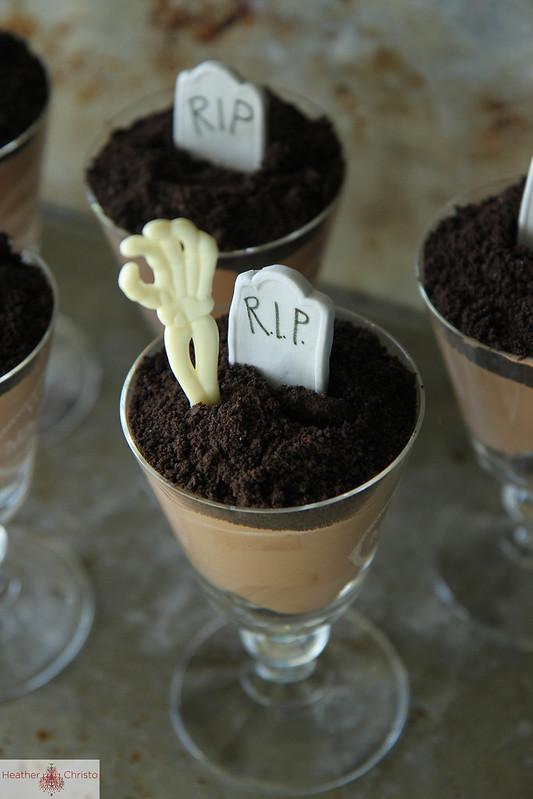 Halloween Dirt Cake Heather Christo
