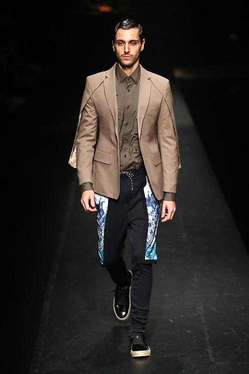 SS14 Tokyo yoshio kubo013_Hernan Lacasa(Fashion Press)