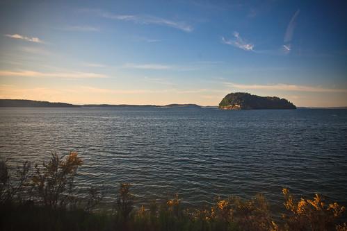 water vancouver train island washington unitedstates amtrak lakeriver