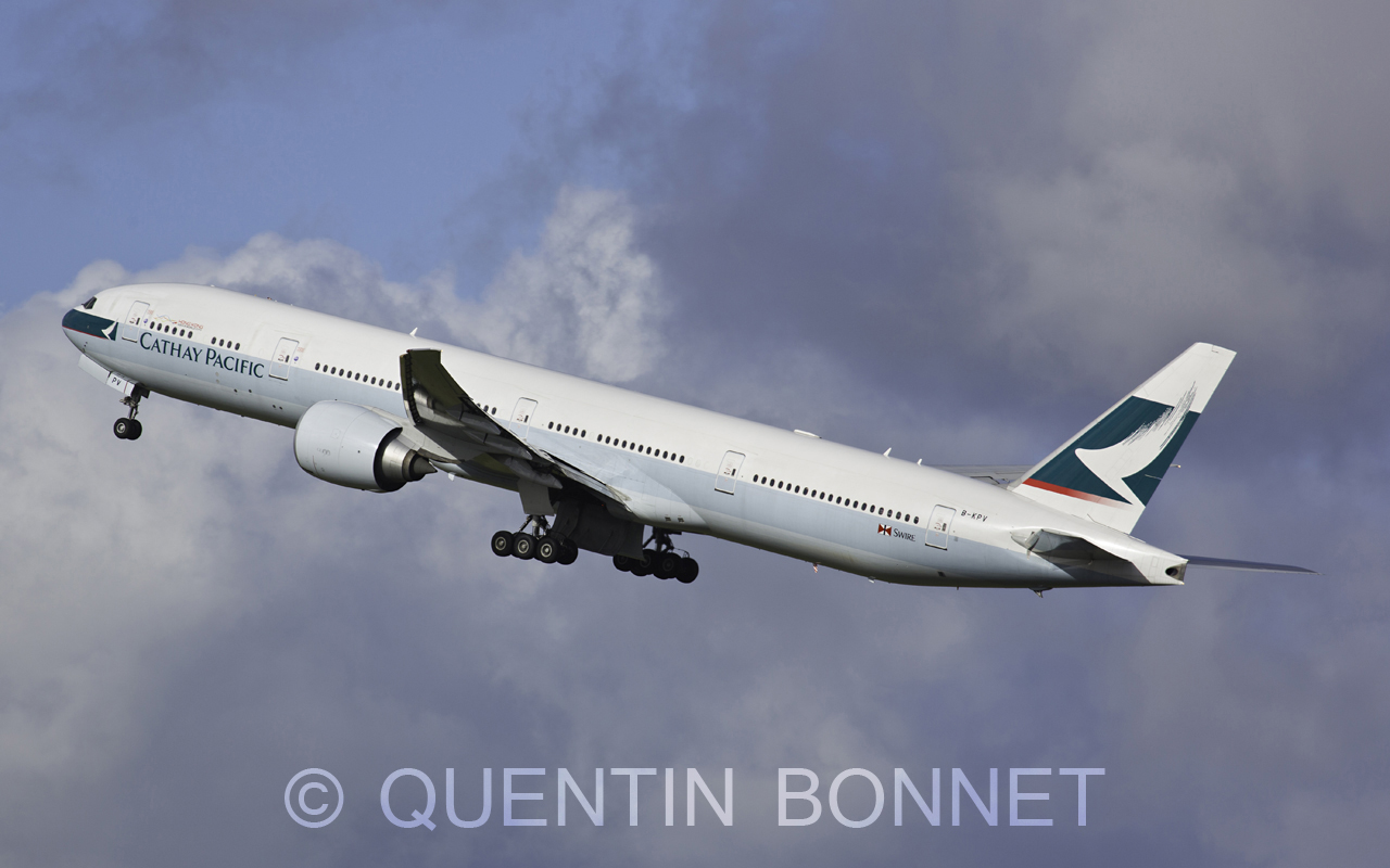 Cathay Pacific Boeing 777-367(ER) B-KPV