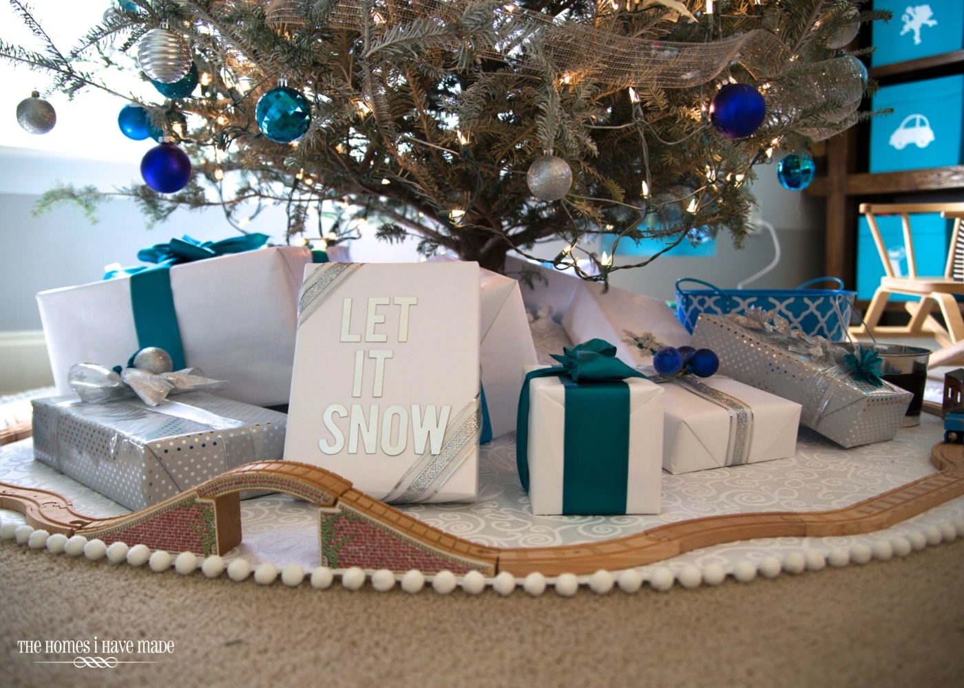 Holiday Living Room 2013-005