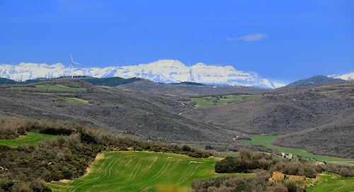 Sierra de Castiliscar con vistas a los Pirineos...  **Zaragoza**