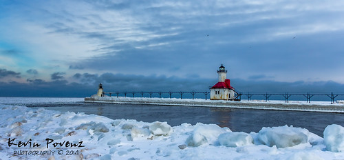 morning blue lighthouse snow cold water sunrise michigan january lakemichigan channel 2014 westmichigan stjoesph lighthousecrawl kevinpovenz