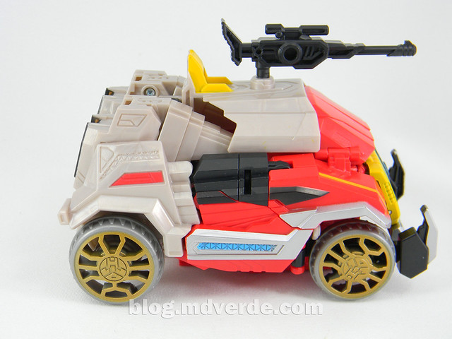 Transformers Blaster Voyager - Generation Fall of Cybertron - modo alterno