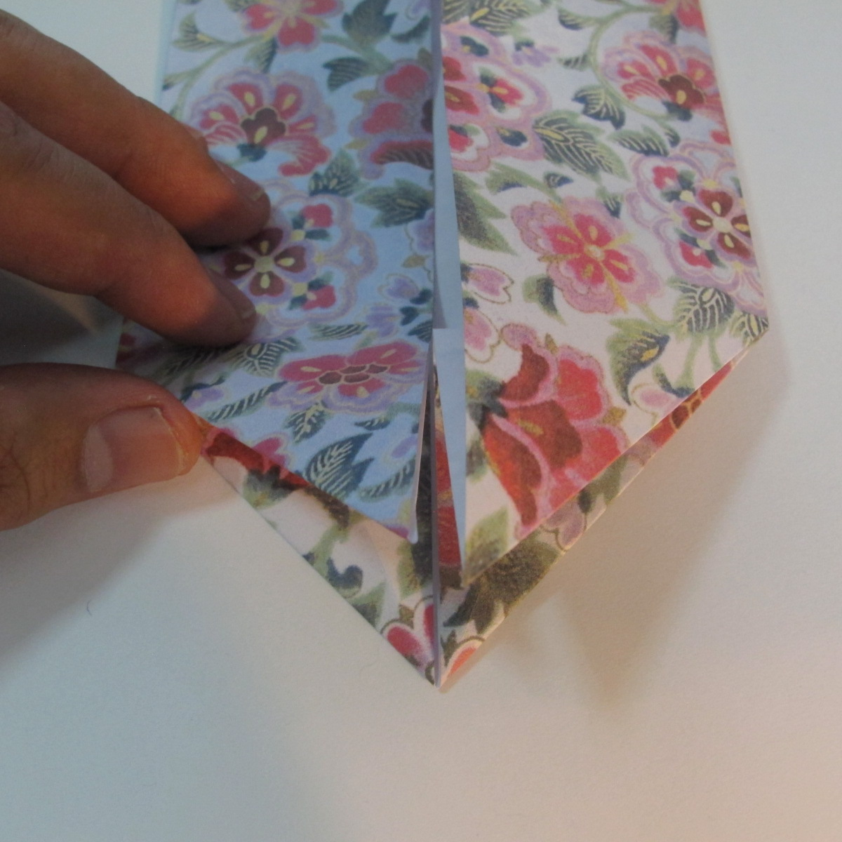 การพับกระดาษเป็นรูปหัวใจแบบ 3 มิติ 022