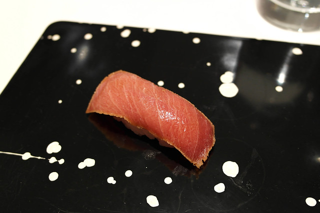 soy-marinated medium fatty bluefin tuna / chu-toro