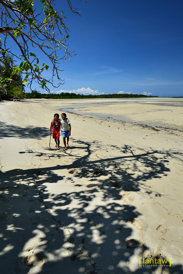 Cagbalete Lowtide: Friends
