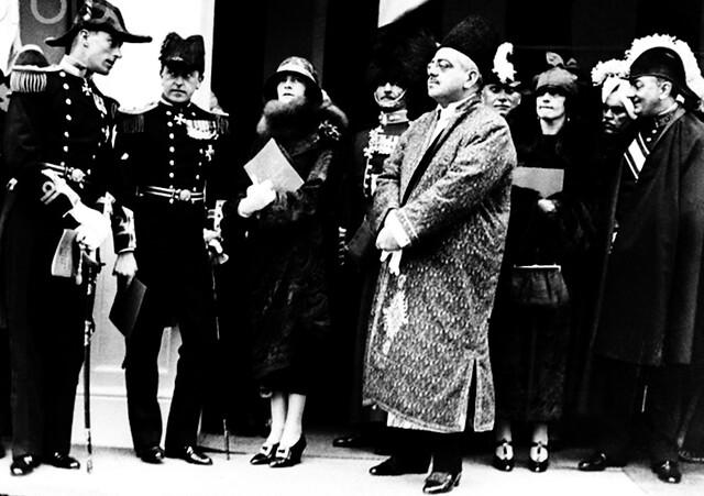 Lord Mountbatten with the Aga Khan III, 1924