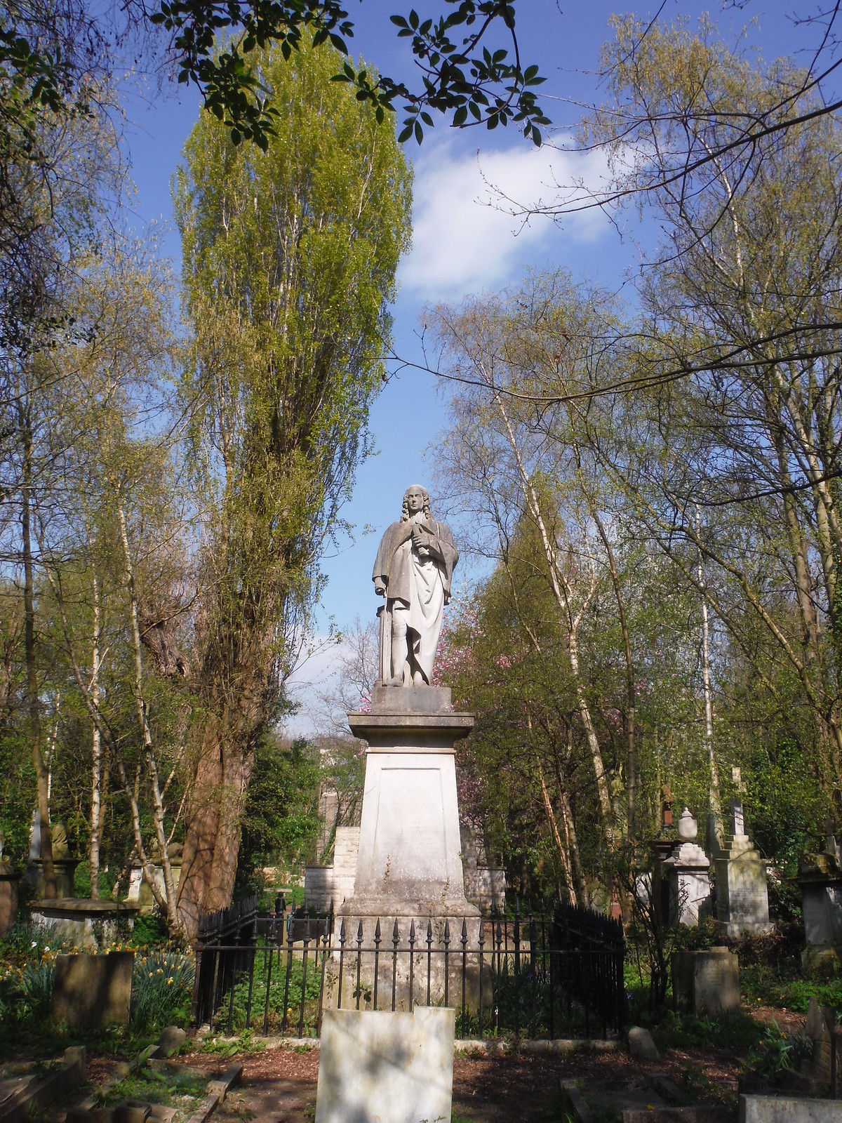 Dr Isaac Watts Monument, Abney Park Cemetery SWC Short Walk 26 - Woodberry Wetlands (Stoke Newington Reservoirs)