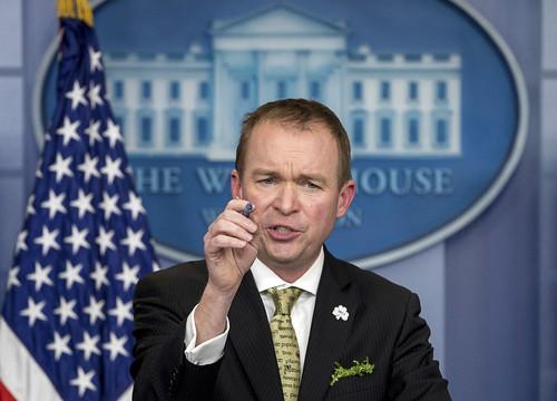 El financiamiento del muro debe ser parte del presupuesto: Mick Mulvaney