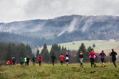 Deštivý, ale krásný úvodní závod Běhej lesy Brdy