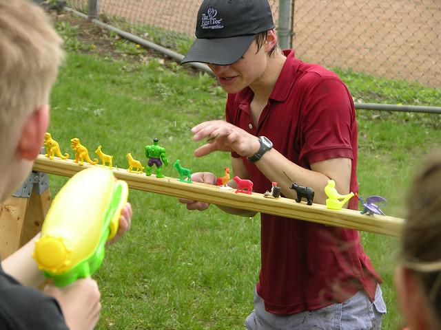 2013 Linden Hills Festival target set up