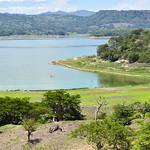 Una sponda del lago di Suchitlan