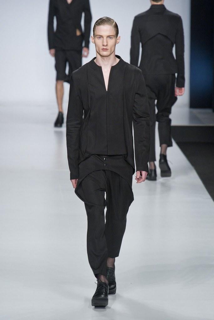 SS14 Milan Ji Wenbo014_Michael Lange(fashionising.com)