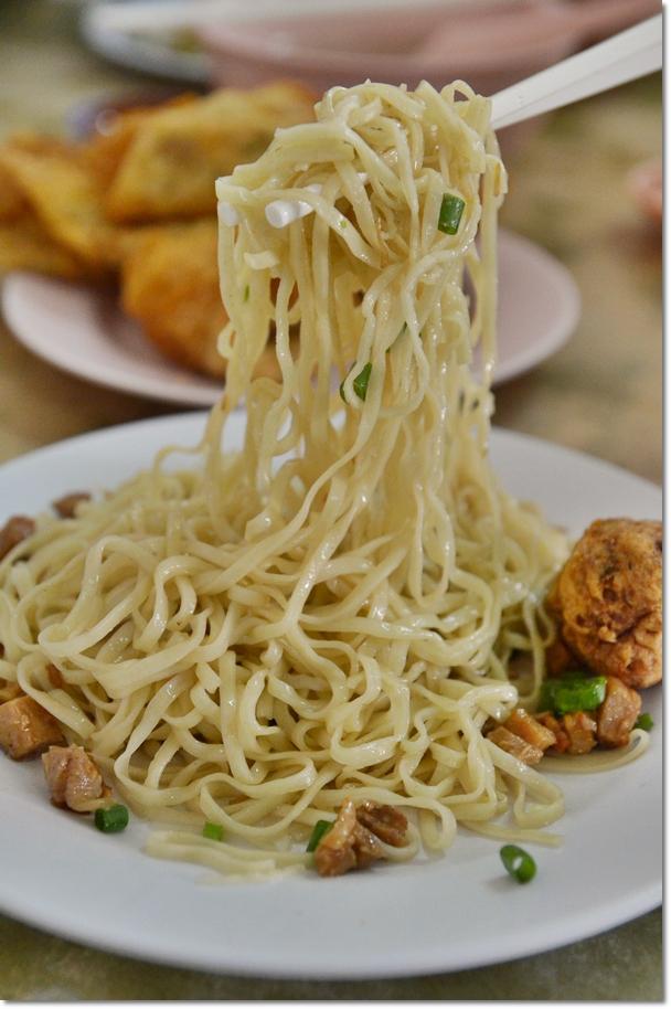 Springy Hakka Noodles