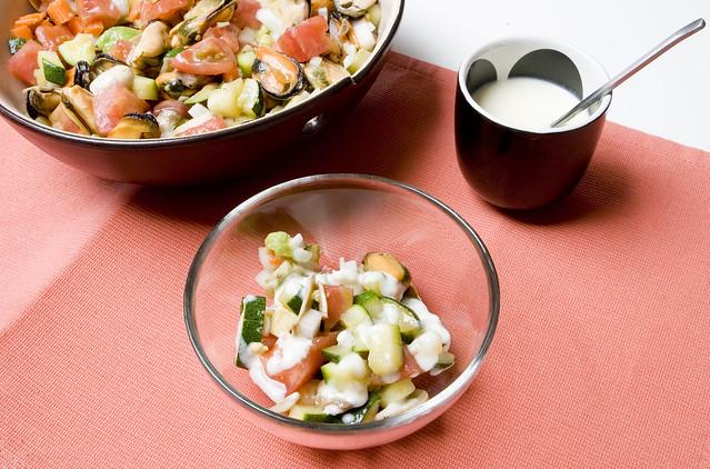 Tartar de verduras con mejillones