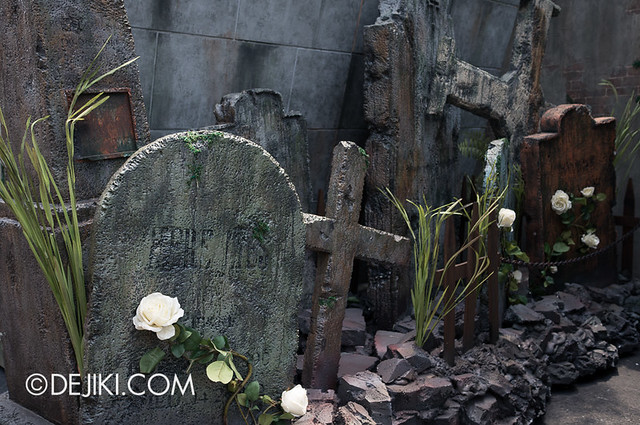 HHN3 Before Dark 2 - Attack of the Vampires - Tombstones 2