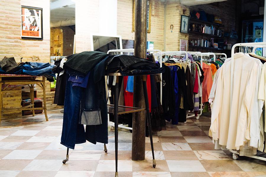 glamournarcotico_de_armario_armario_outfit_menswear_Bershka_cap_Pull&Bear_coat_H&M_shirt_pants_Pull&Bear_Nike_free_run_2_streetstyle