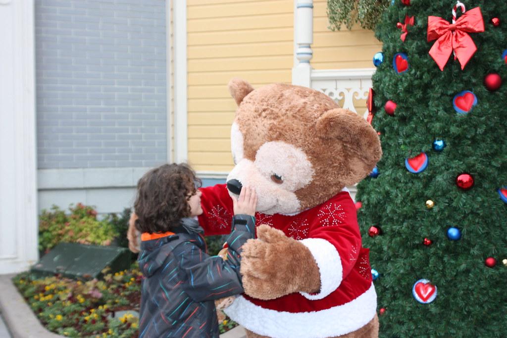 Un séjour pour la Noël à Disneyland et au Royaume d'Arendelle.... - Page 3 13676643504_28ed81d773_b
