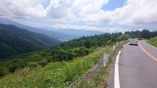 晴れた高原の道はたいてい良い道なのでは?
