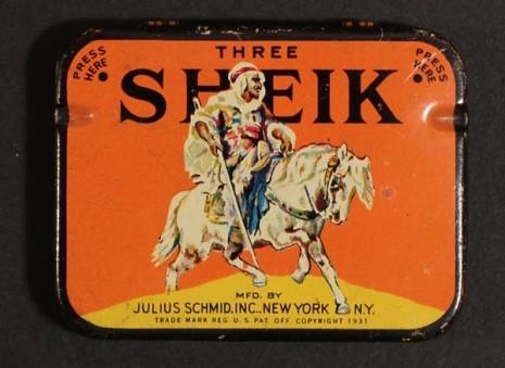 仕女、裸女肖像營造優雅形象 1910 到 1950 年的復古保險套包裝4
