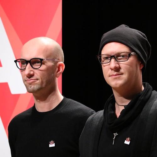 MONKEY MAJIKの「カナダ人の方」のお二人。Fly と、Together の2曲を演奏。いい歌だなー。 #lovecanada150