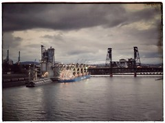Working waterfront. #steelbridge #willametteriver #portofportland