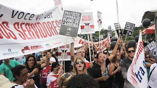 Protesto: Greca quer dar