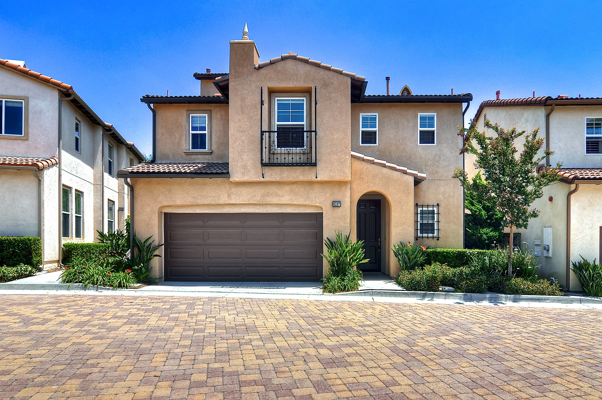 8287 E Loftwood Lane | Open House Sat 5/25 from 1-4 pm