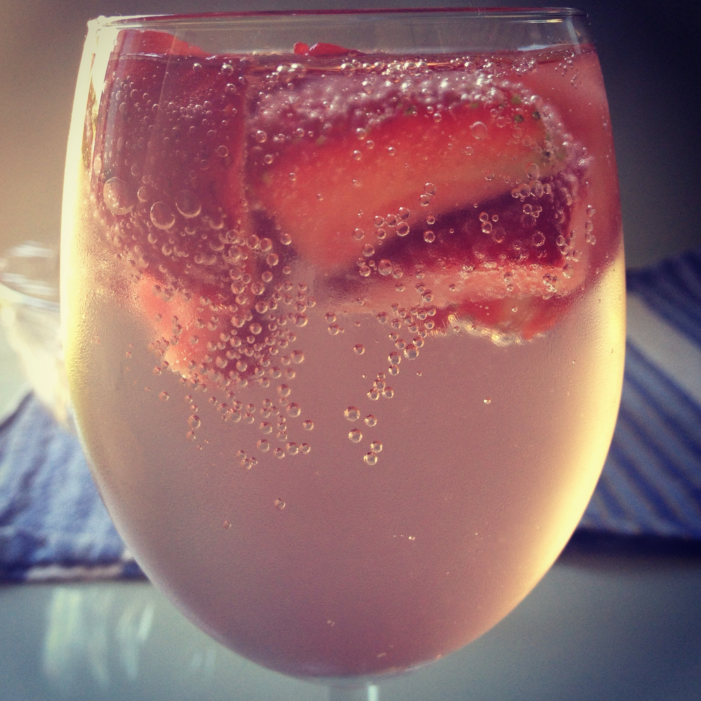 Strawberries and Elderflower Champagne 3