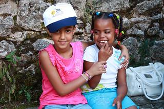 Una clínica de Viapol revisará la vista a los niños saharauis que pasan el verano con familias de Sevilla