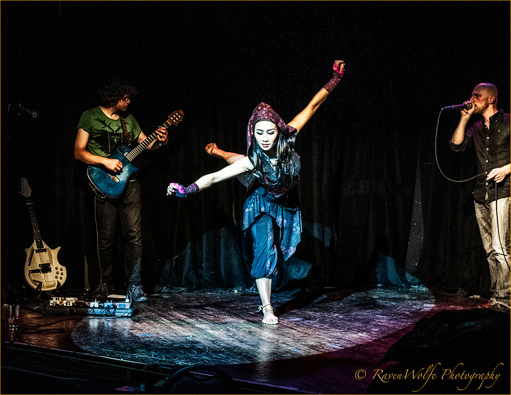 Anasma  and Beatbox Guitar at DROM at the NYTBC 2013  by Peter Paradise_dsc6029_HD