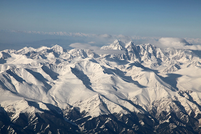 Tian Shan moutains in the morning 朝の天山山脈