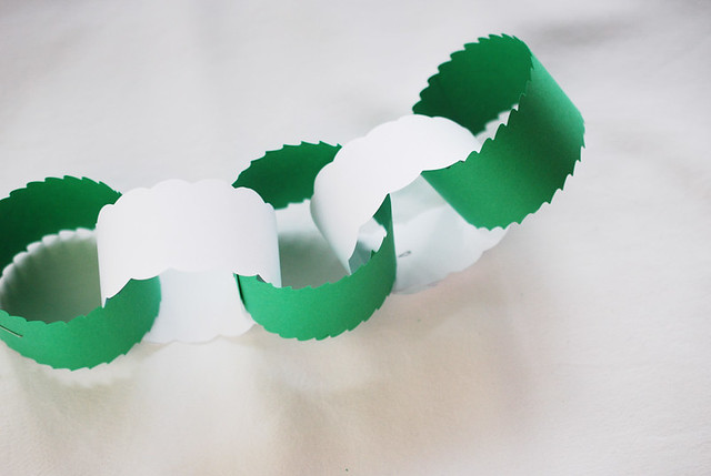 Paper Chains with Fun Scissors