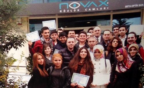 Üsküdar Üniversitesi Optisyenlik öğrencileri BETA Optik fabrikasını ziyaret etti