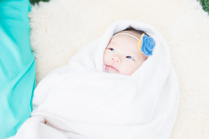 Serene-Joy-Hong-Los-Angeles-christmas-tree-family-and-baby-photographer-Daniela-Rey-79