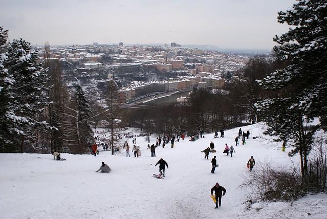 Piste de la Sarra à Lyon en hiver