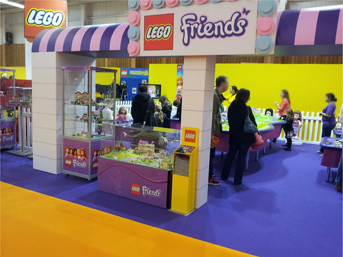 kid_expo_stand_lego_friends