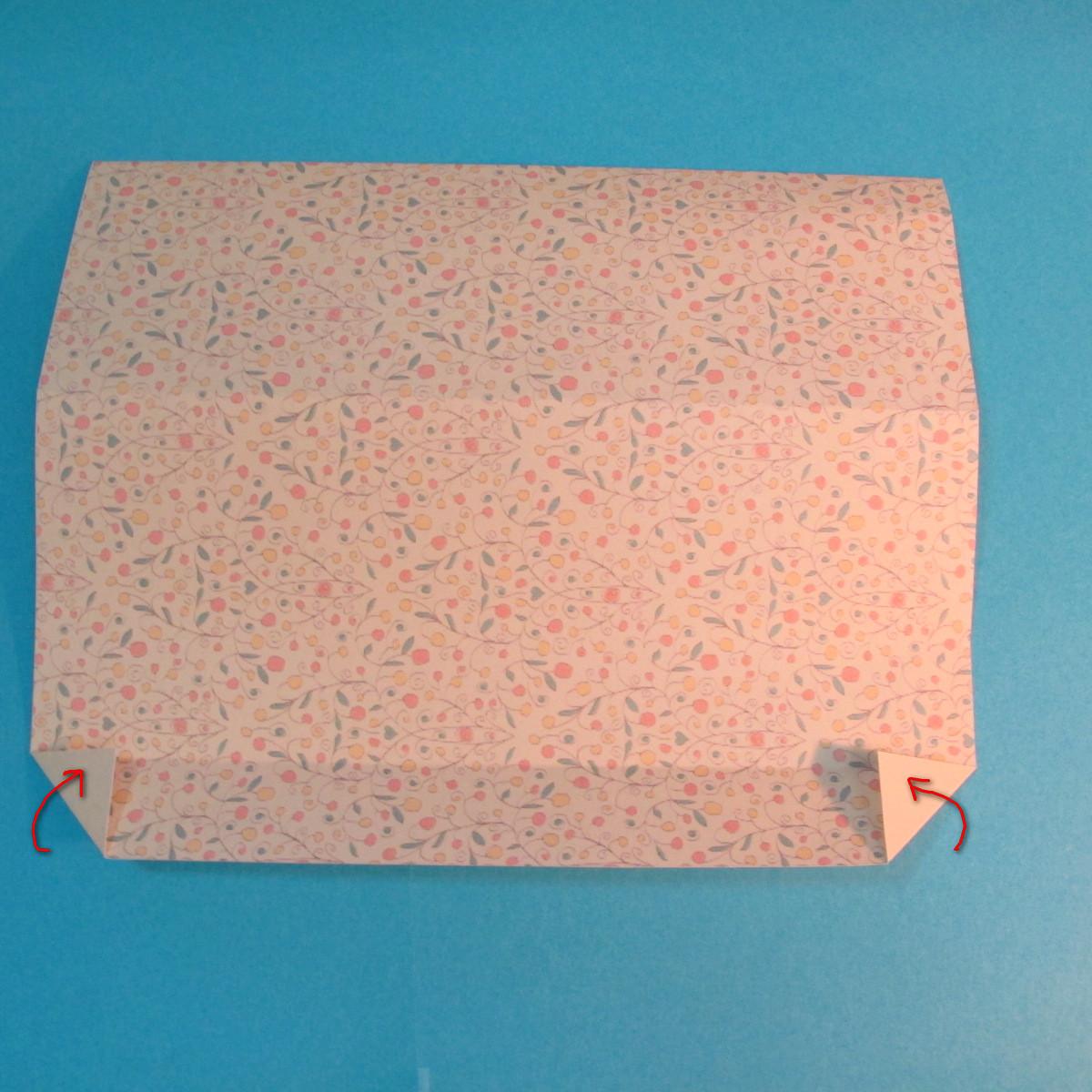 วิธีพับกระดาษเป็นผีเสื้อหางแฉก 013