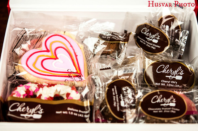 Cheryls' cookies gift box review in_the_know_mom valentines gifts