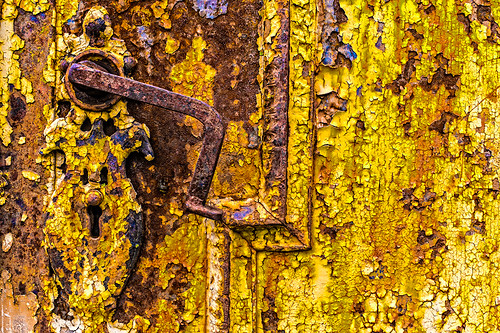 Rusty gate handle detail by joeeisner