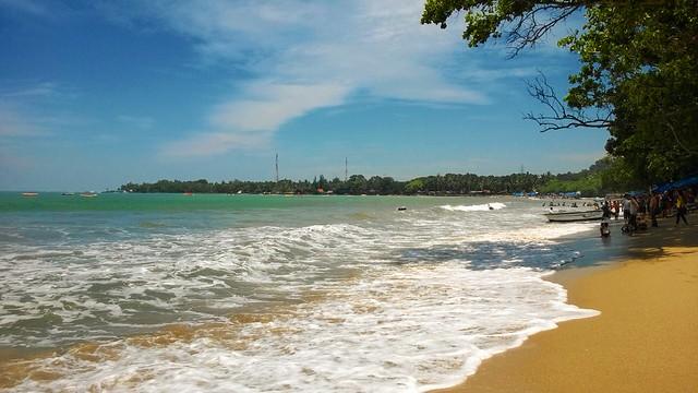 Pantai Pasir Putih Carita Anyer