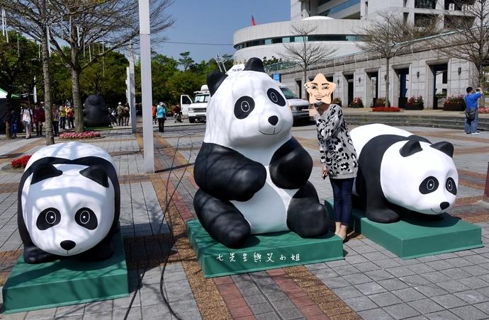 9 紙貓熊 1600貓熊之旅-台北 0224 台北市政府廣場展覽