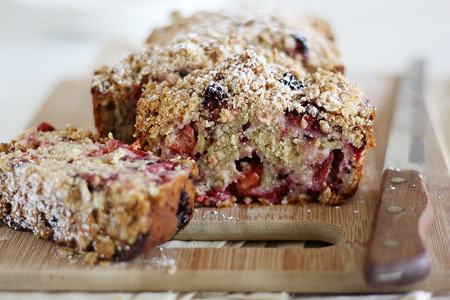 plum-blackberry cream cheese bread with oat streusel