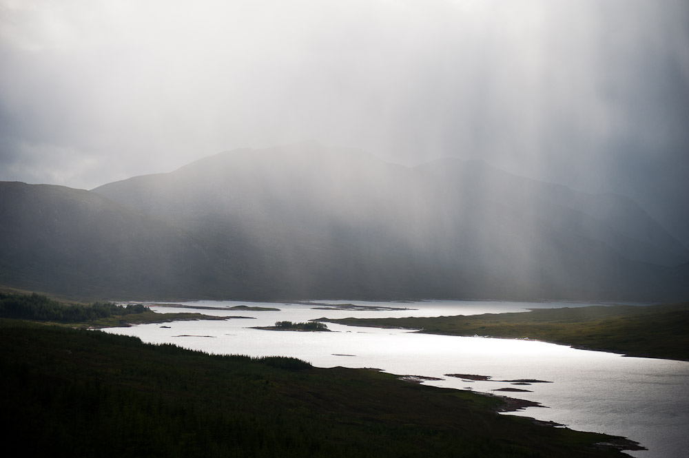10. Lluvia sobre el lago. Autor, Mat's Eye