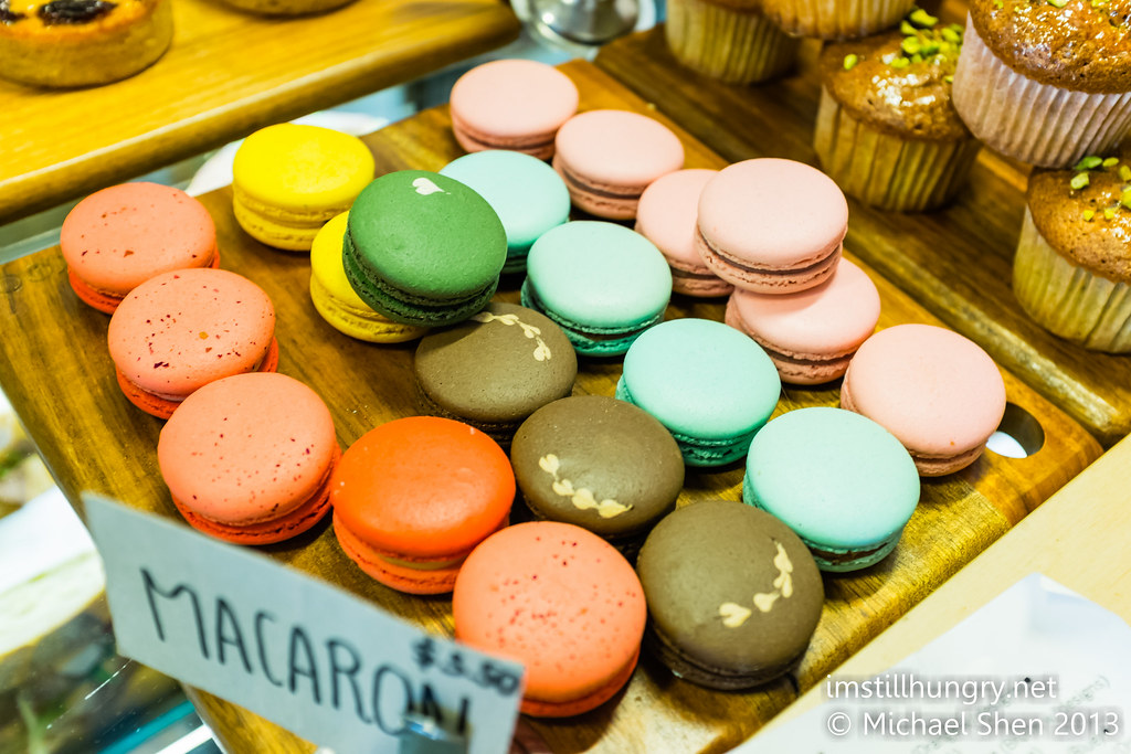 Devon cafe macarons