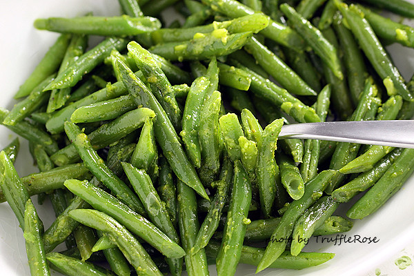 ... 》四季豆和開心果青醬 Green beans with pistachio pesto