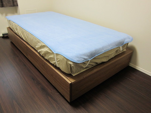 無印良品のベッドと西川羽毛 ...