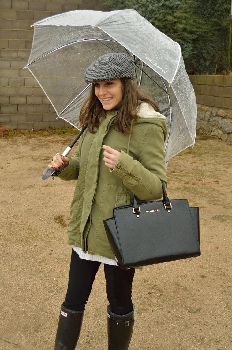 lara-vazquez-madlula-style-chic-blog-umbrella-green-parka-