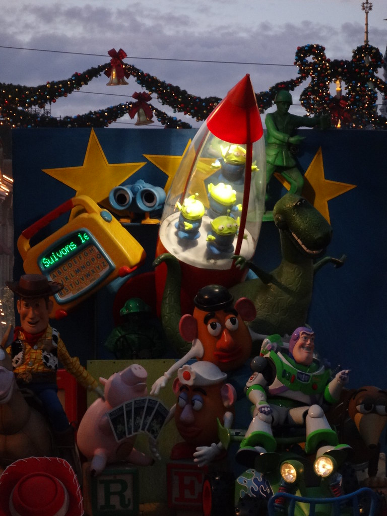 Un séjour pour la Noël à Disneyland et au Royaume d'Arendelle.... - Page 4 13695973224_ec41e41cc4_b